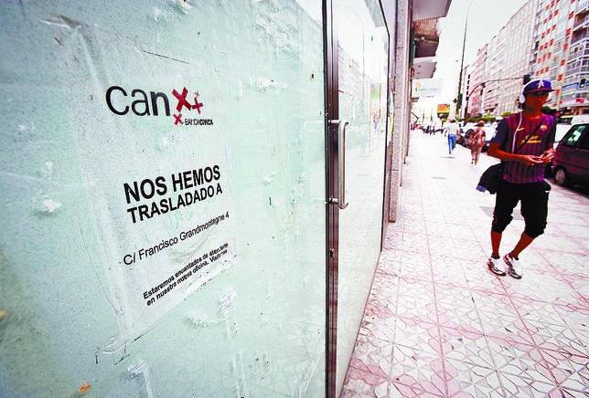 Bancos y cajas cierran m s de 40 oficinas en la provincia for Oficinas la caixa burgos