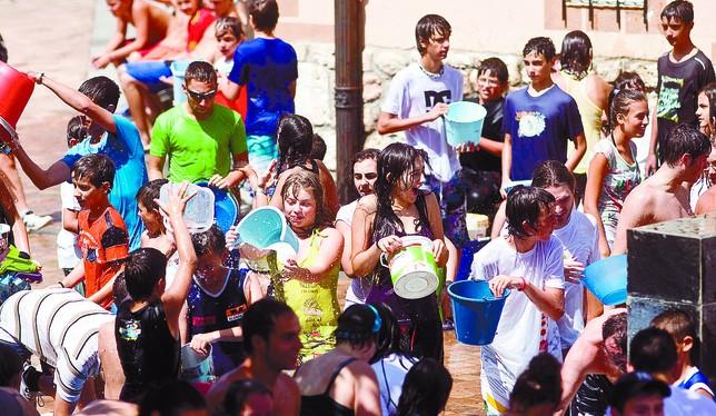 El crecimiento demográfico ha empujado a Arcos a estrenar guardería hace unos años, ahora polideportivo y próximamente centro de salud. DB/Miguel Ángel Valdivielso