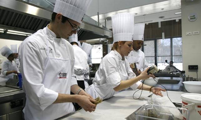 Curso Cocina Valladolid | La Escuela Internacional De Cocina Impartira 15 Cursos Desde Abril