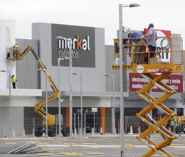 R o shopping espera recibir ocho millones de visitas el for Autobus rio shopping valladolid