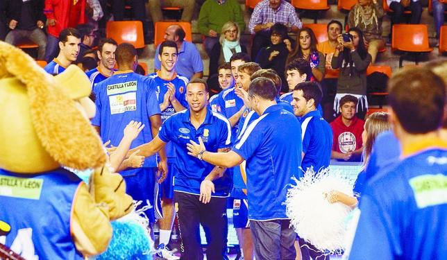 Autocid de baloncesto DB/Ángel Ayala