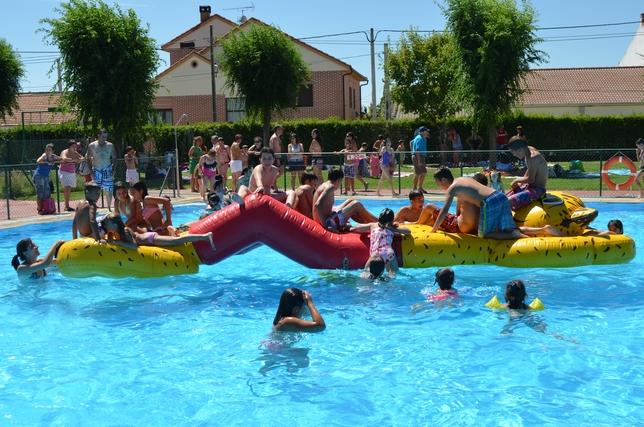 Punto final a las fiestas diario de vila for Piscina municipal avila