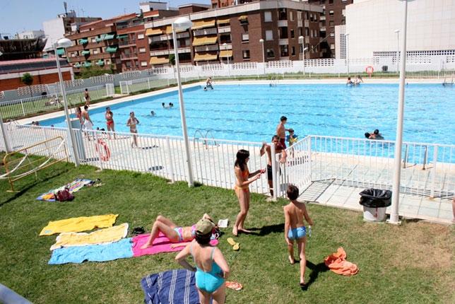 M s de personas han pasado por la piscina mar a for Piscina municipal ciudad real