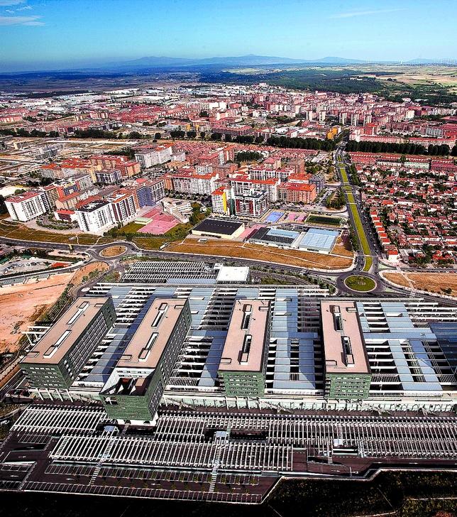 El barrio del G-3/Vista Alegre acoge la mayor concentración de dependencias compatibles con el alojamiento. DB/Alberto Rodrigo