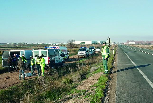 El accidente se produjo en la N-232, a la altura de la localidad de  Pedrola. Guillermo mestre (Heraldo de Aragón)