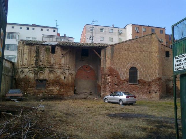 Monasterio de San Saturnino (de los Mostenses) oculto en una parcela privada del casco urbano del que se anuncia la construcción de unas viviendas en dicha parcela.