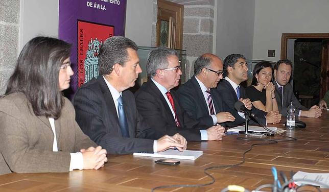 El Ayuntamiento presenta el plan de ajuste. Javier Ventosa