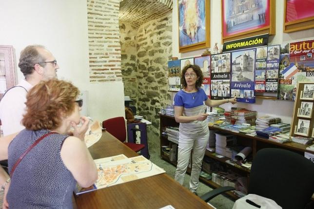 La mayor parte de los visitantes proceden de castilla y for Oficina de turismo de castilla y leon