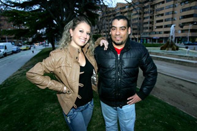 Esther Bautista, profesora de baile, y Osvaldo González, presidente de la asociación. Arturo Pérez