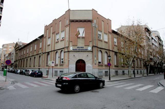 El colegio mar a inmaculada ofrece dos m dulos de auxiliar for Oficina del consumidor albacete