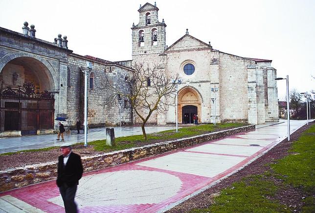 San Juan de Ortega es uno de los principales hitos del Camino de Santiago a su paso por la provincia burgalesa. ALBERTO RODRIGO¶
