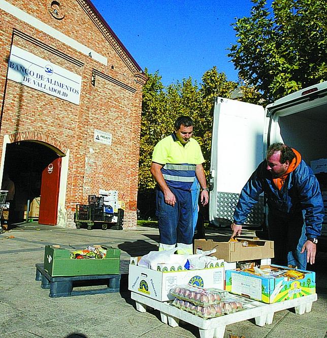 El banco de alimentos recibe comida en 98 puntos dentro de for Oficinas bbva valladolid