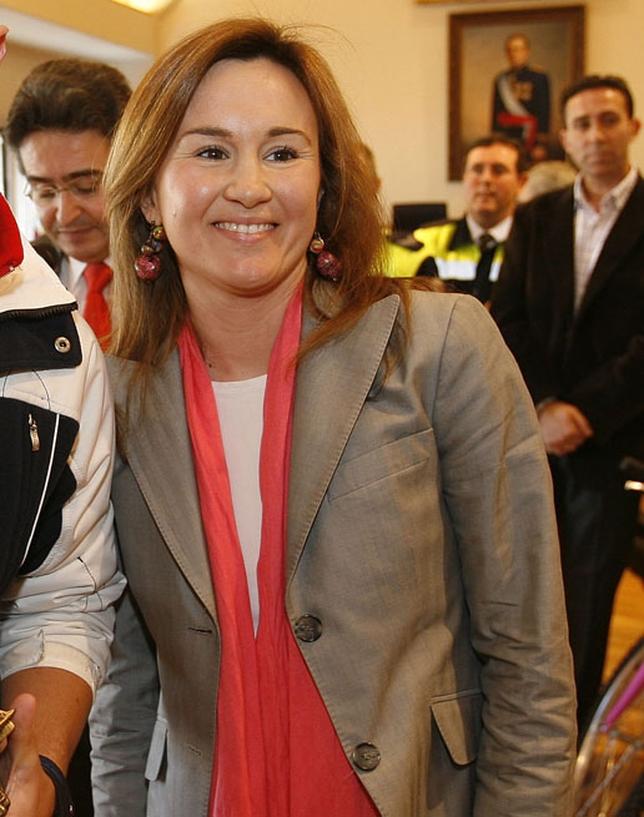Fernando rodrigo recibe a la nueva jefa provincial de - Jefatura provincial de trafico de badajoz ...