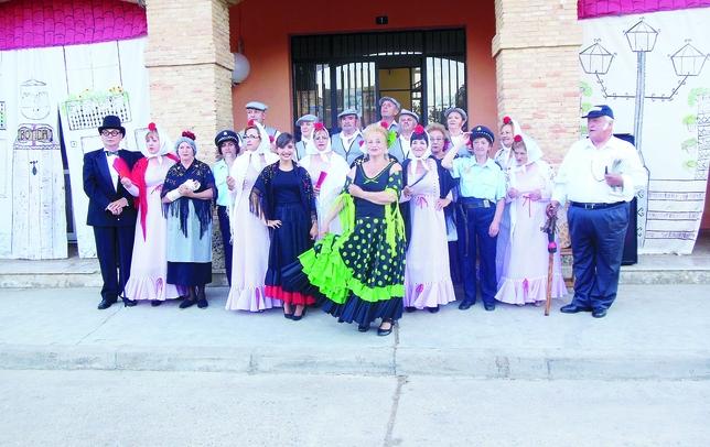 VILLOLDO: En las fiestas locales de Villoldo, la 'Asociación Cultural Virgen del Oroyo' ha representado la conocida zarzuela 'La verbena de la Paloma'.