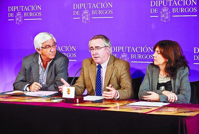 José María Ibáñez, Ángel Carretón y Marta Arroyo, ayer durante la presentación del certamen musical. Ángel Ayala