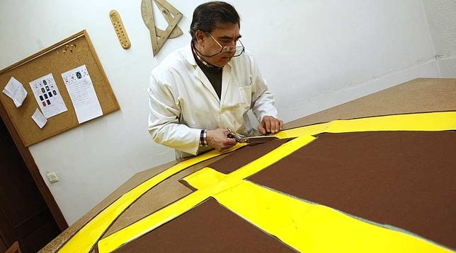 Preparación de los pendones. David Castro
