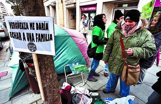 Teo Ochoa asegura que aguantará hasta que se solucione su caso. Luis López Araico