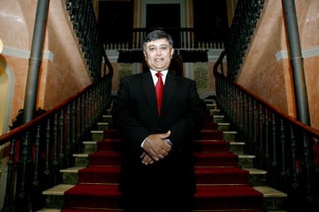 Sunil La. Ruben Serrallé.