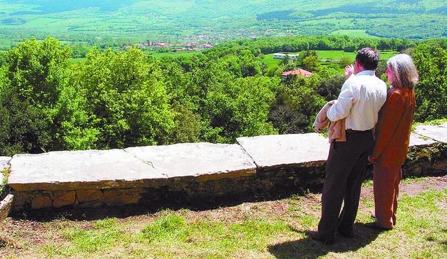 La UCCL denuncia que detrás de la ordenación está el expolio del patrimonio de los pueblos, como montes y fincas comunales. A.C.