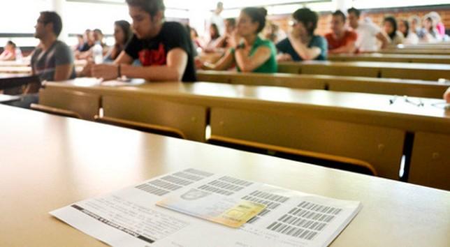 Último examen de selectividad de los alumnos del IES COndesa Eylo. El Día
