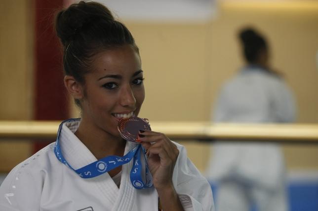 vanesa pascual bronce en kata en el mundial de shotokan