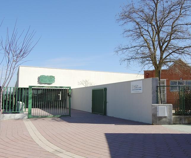 """Colegio de Educación Infantil y primaria """"Miguel Delibes"""" en Aldeamayor de San Martín"""