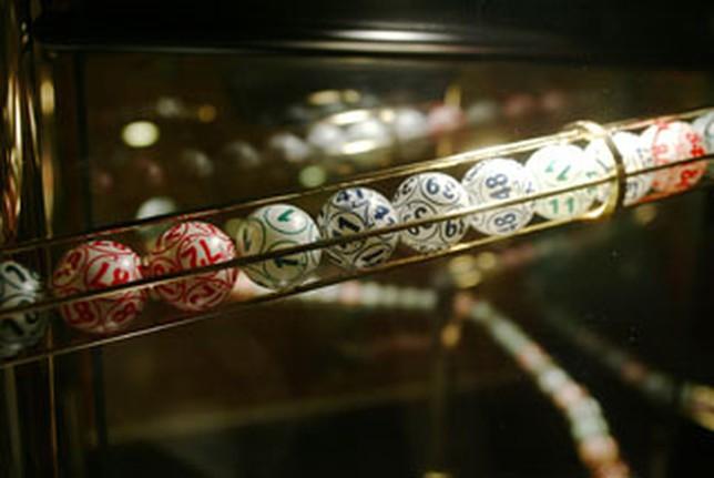 Imagen de las típicas bolas del juego del bingo.  J.J.M.