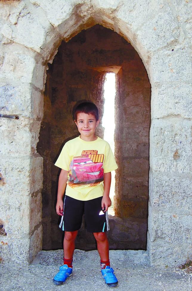 Carlos, en el castillo de Castrojeriz, hace un par de veranos. Eva Naval