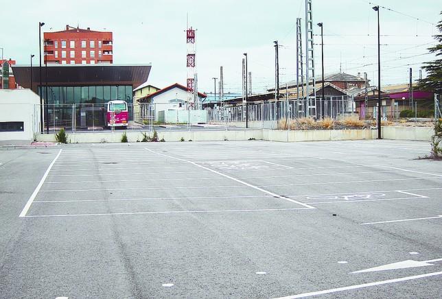 El p rking de la estaci n ser libre porque explotarlo es for Rentabilidad parking