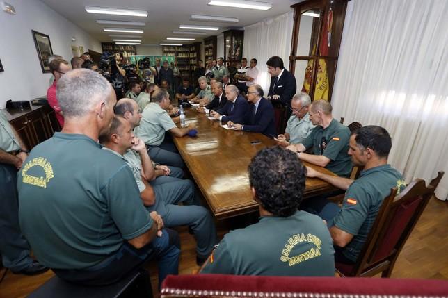 Dolor solidaridad y agradecimiento diario de burgos for Foto del ministro del interior