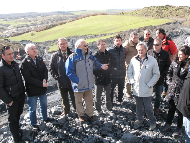Las explotaciones a cielo abierto propiedad de 'Uminsa' en Guardo y Castrejón tienen una vida útil de unos tres años apuntó ayer la empresa minera.  Rubén Abad