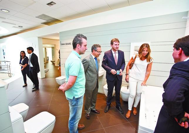 Gala invierte dos millones en adaptar su planta y fabricar for Saneamientos gala