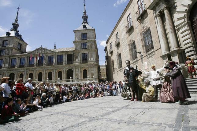 La gran marioneta que representa la figura del Greco llamó la atención a pequeños y mayores.  Yolanda Redondo