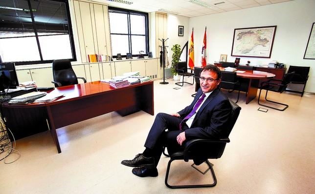Juan José Busto, jefe del Servicio Territorial de Agricultura y Ganadería. Tomás Alonso