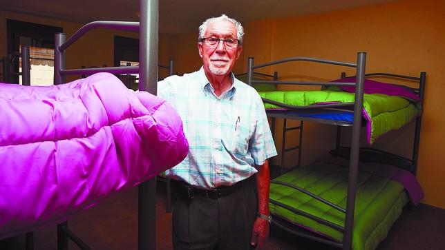 Salvador Martínez, en el albergue de peregrinos que se ha estrenado en vísperas de las fiestas. Christian Castrillo