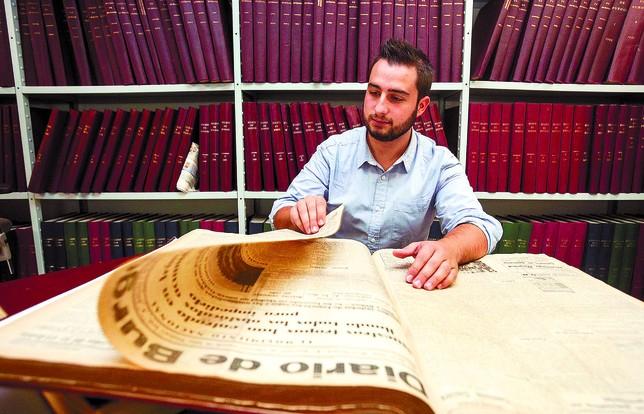 Samuel Calvo Arauzo se ha zambullido en las atribuladas décadas de los años 20 y 30 del siglo XX para la realización de su trabajo sobre el director de la revista Burgos Gráfico.  Patricia
