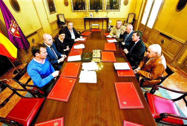 Reunión de los alcaldes de los municipios afectados por el fracking