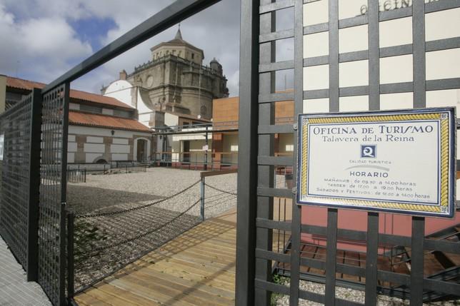 M s de turistas visitaron talavera en el primer for Oficina de turismo de toledo capital