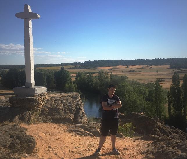 Imagen del joven escritor en la Ribera de San Benito. LT