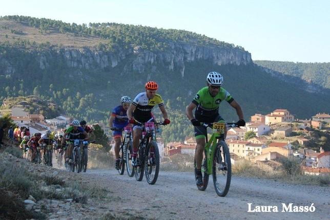 Las pendientes pusieron a prueba a los 'bikers' en Cañizares. Laura Massó