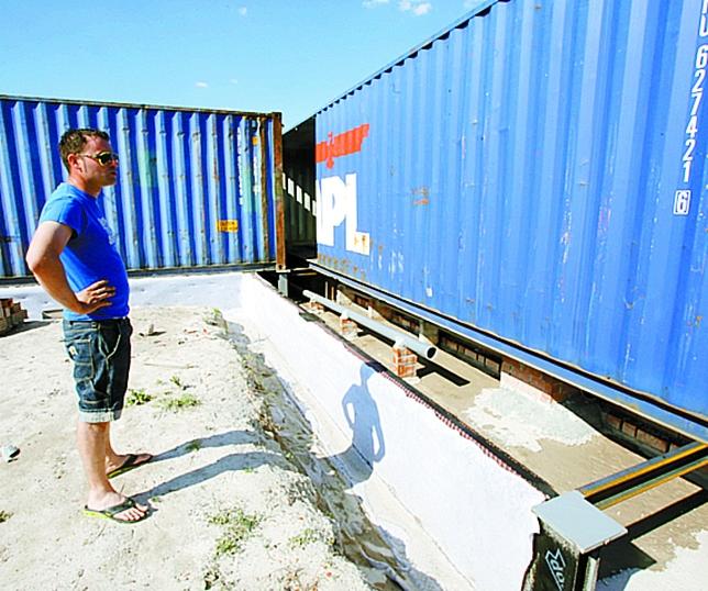 La casa de sus sue os con contenedores de barco el d a de valladolid - Como hacer una casa con contenedores maritimos ...