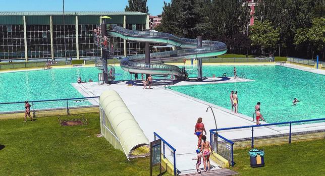 Abrir las piscinas de verano cuesta casi euros cada for Cuando abren las piscinas