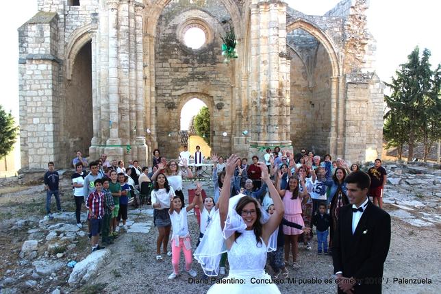 PALENZUELA. Una boda con el ramo de la novia confeccionados con cebollas de la zona.