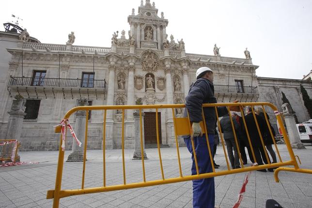 Se descubre la fachada de la Facultad de Derecho de Valladolid