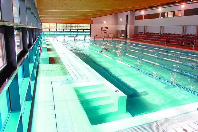Las piscinas de 39 eras de santa marina 39 cerradas del d a 9 for Piscina julio navarro