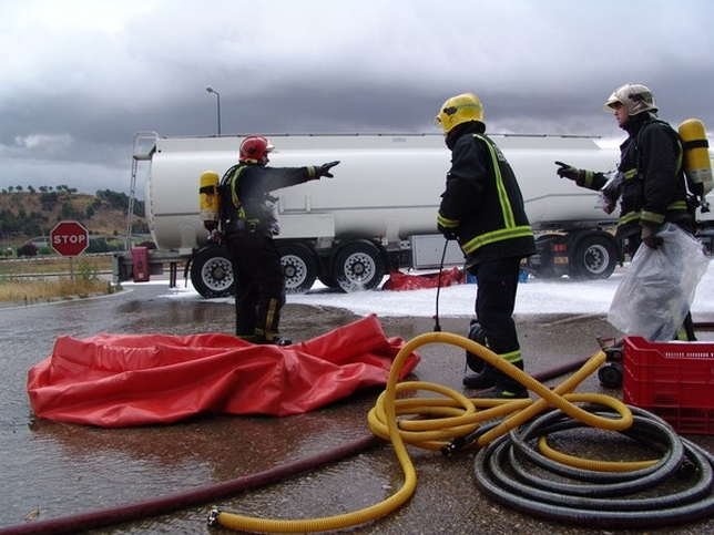 Simulacro de rescate de mercancías peligrosas en Valladolid