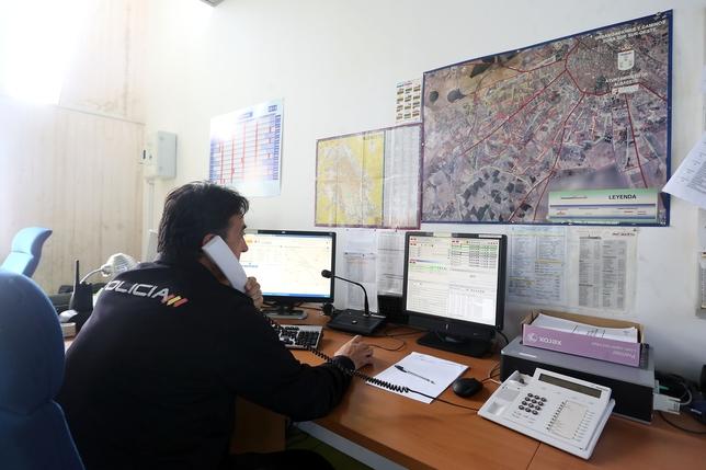 la polic a nacional arrest a ocho personas por estafar