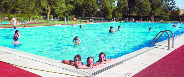 El boom de la apertura de piscinas registrado hace 5 a os for Piscinas el plantio burgos