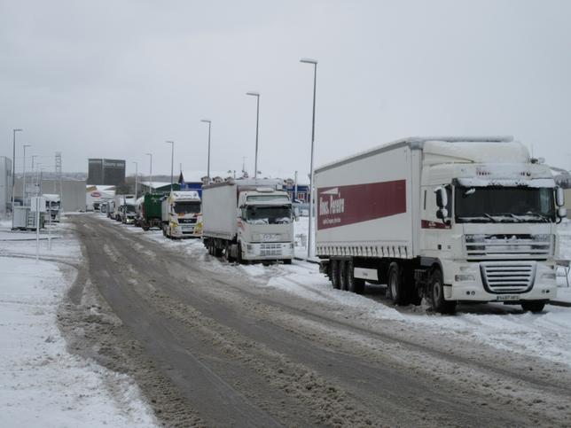 Camiones embolsados en Aguilar. Marta Redondo