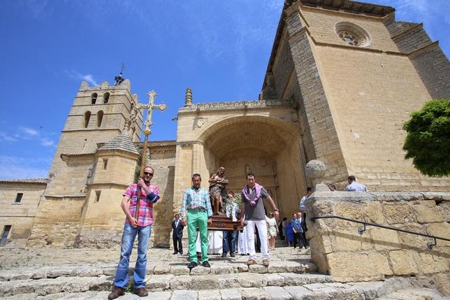 SANTOYO: La mejor carta de presentacion de Santoyo y de la que están orgullosos todos su vecinos es la monumentalidad de su iglesia de San Juan .